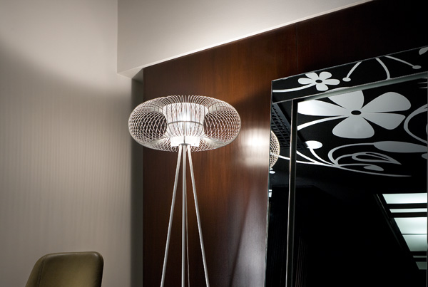 Spring TE Floor Lamp